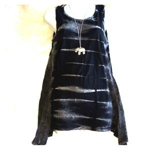 AMERICAN AGE Distressed Knitted Sharktooth Tank